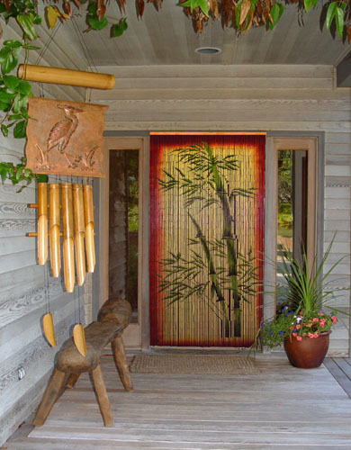 Bamboo beads curtain painted with bamboo motif